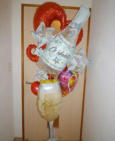 ボリュームたっぷりで豪華で目立つお誕生日祝いのバルーンギフト