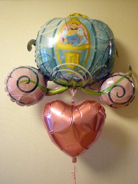 姪っ子の誕生日のお祝いにシンデレラのバルーン