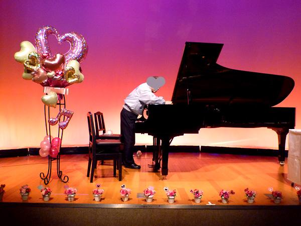 ピアノ教室の発表会にバルーンスタンド