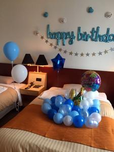誕生日のお祝い装飾 魚津市のホテル